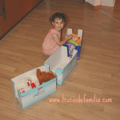 DIY tren con cajas de cartón